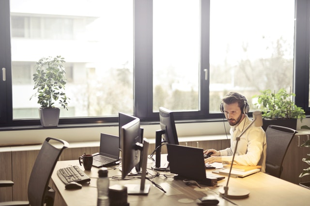 7 Compelling Reasons Why You Should Become an IT Expert