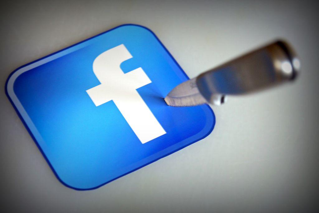 Facebook still undisputed king
